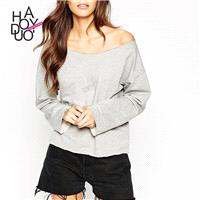 2017 autumn new style sexy strapless dropped shoulders loose old fashion long sleeve raw edge sweate