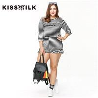 2017Plus Size women's spring new fashion black and white striped wavy edges and comfortable slim fit